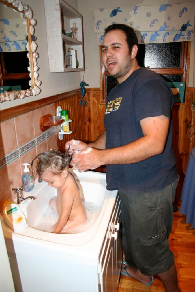 No baby bath while travelling?  No problem! (Morgan loves this photo)...