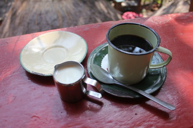 Coffee at Tant Malie's...