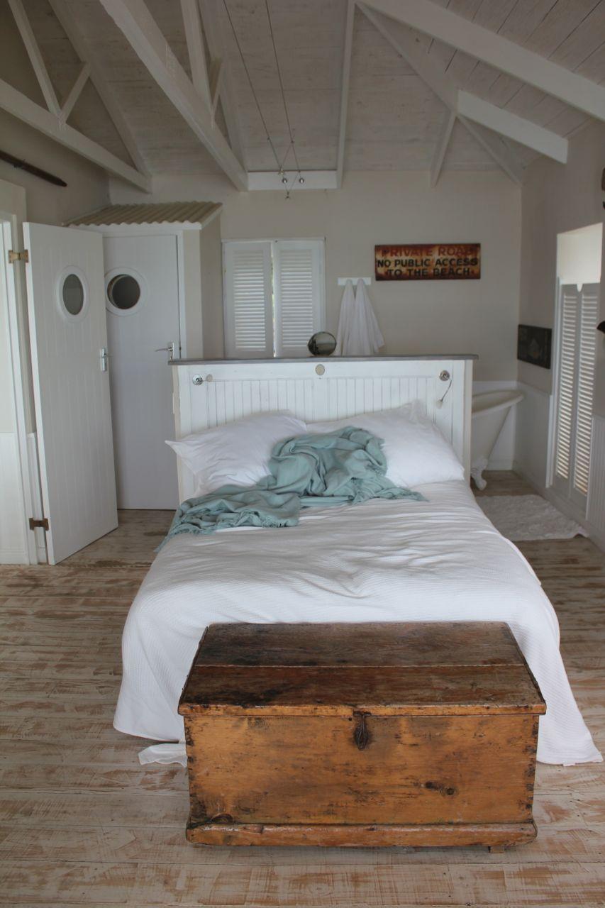 Main bedroom with en-suite bathroom….