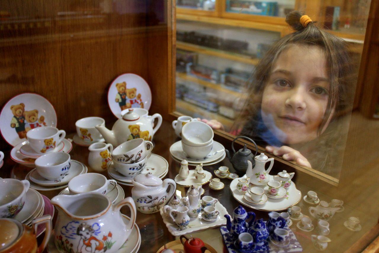 Tea sets...