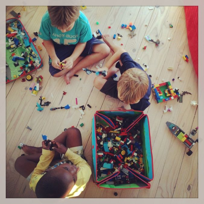 Joah, Jonty & Tyler… with lots of lego! :-)