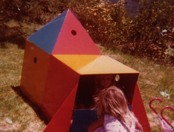 One of my Mom's money-making ideas… she created these different shapes which could easily be fitted together to make unique playhouses for kids (you can see Soo and me enjoying ourselves with this one)...