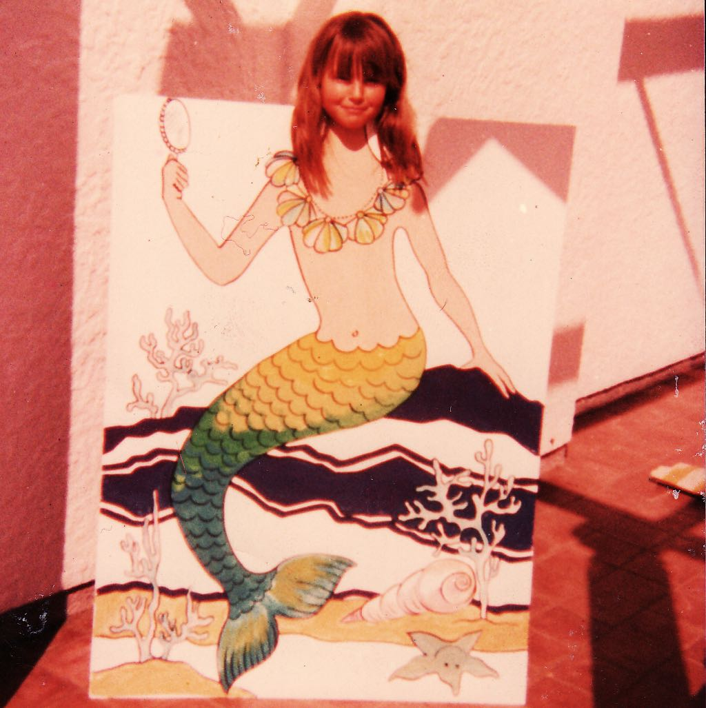 Later... when we left Cape Town and moved inland to what was then called the Transvaal... we lived near my Great-Aunt Wendy (who was a professional artist). Aunty Wendy also played an enormous role in my development as an artist (she'd also do random fun things... ie: the mermaid board)... and, as a teenager, I loved attending her art classes.